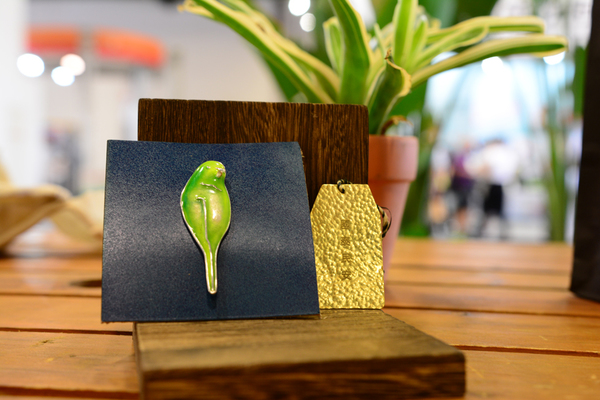 圖四 :   優勝奈米使用所回收的銅和金銀來做為文創設計的材料