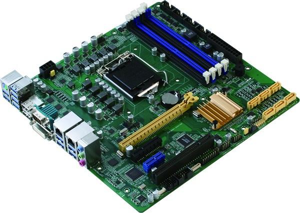 同時,新款系統單晶片再強化圖像處理功能,本身就支援4K高解析度媒體內容播放,及更進階之影像處理器。讓影像處理、解碼速度更為快速、簡便,節省人力、時間。所以這款機種適合室內或戶外數位電子看板的環境應用。 這款新型系統單晶片拜Micro ATX規格及Q170平台所賜,可以配置多達14個USB連接埠,其中有10個支援USB3.