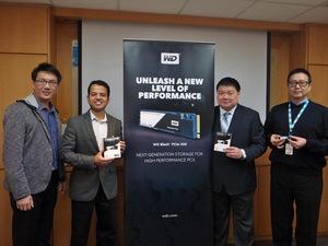 (右起)WD台灣總經理郭德麟、亞太區企業行銷總監羅昌平、消費級固態硬碟產品行銷部資深經理Suhas Navak、資深工程師簡岏容等。