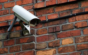 城市中的監視攝影機導入AI功能,可望提升尋人能力。