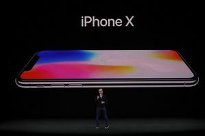 蘋果於台北時間13日凌晨發表新機迎接iPhone十周年。此次新機種之一的iPhone X更被視為「未來世代的智慧型手機」。
