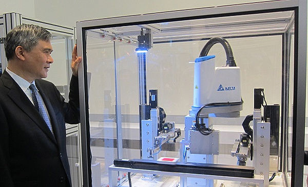 Delta Launches New Industrial Robot Scara For Light